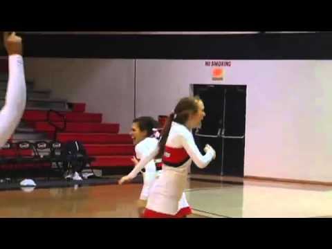 Cheerleader Makes an Incredible Shot
