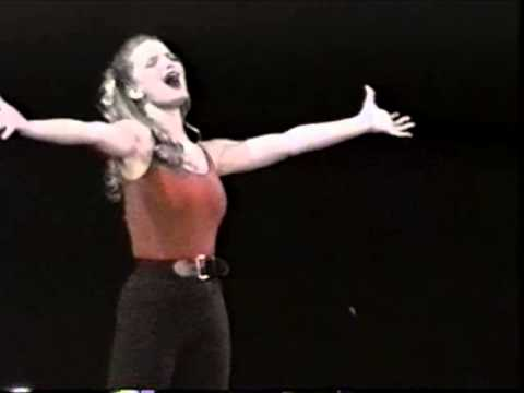 Video: Jessica Simpson Performing in High School