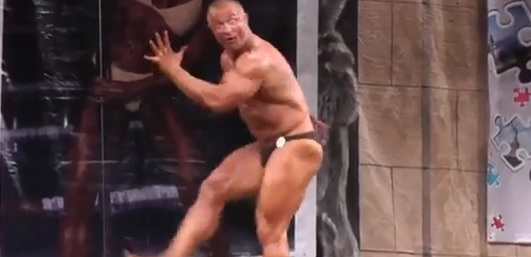 Video: Let This Bodybuilder Entertain You