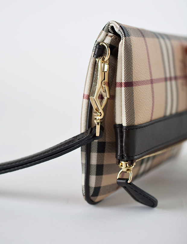 burberry wristlet outlet  burberry haymarket check